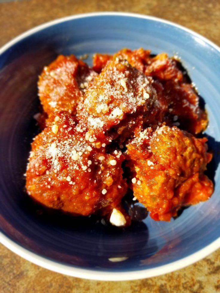 Easy Slow Cooker Italian Meatballs with Italian Sausage, Turkey, Quinoa & Zucchini.
