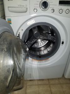 Cleaning the Door of your Front Load Washer