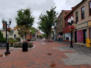 Cute town of Winchester Virginia in Shenandoah Valley. All the best things to do with kids in this historic city. Plus attractions in the Shenandoah Valley such as Luray Caverns, City of Staunton and Shenandoah National Park.