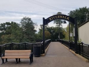 Pretty Riverwalk in Downtown Wisconsin Dells for families to walk.