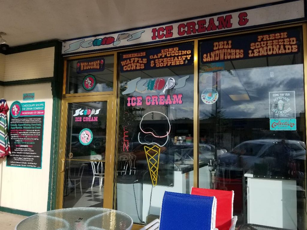 Scoops Ice Cream Shop & Deli in Lake Geneva Wi. Cute little ice cream shop steps away from Lake Geneva. Grab an ice cream and stroll along the lakefront or Downtown Lake Geneva. #lakegeneva #resturants #thingstodolakegeneva #wisconsin #lakegenevawi