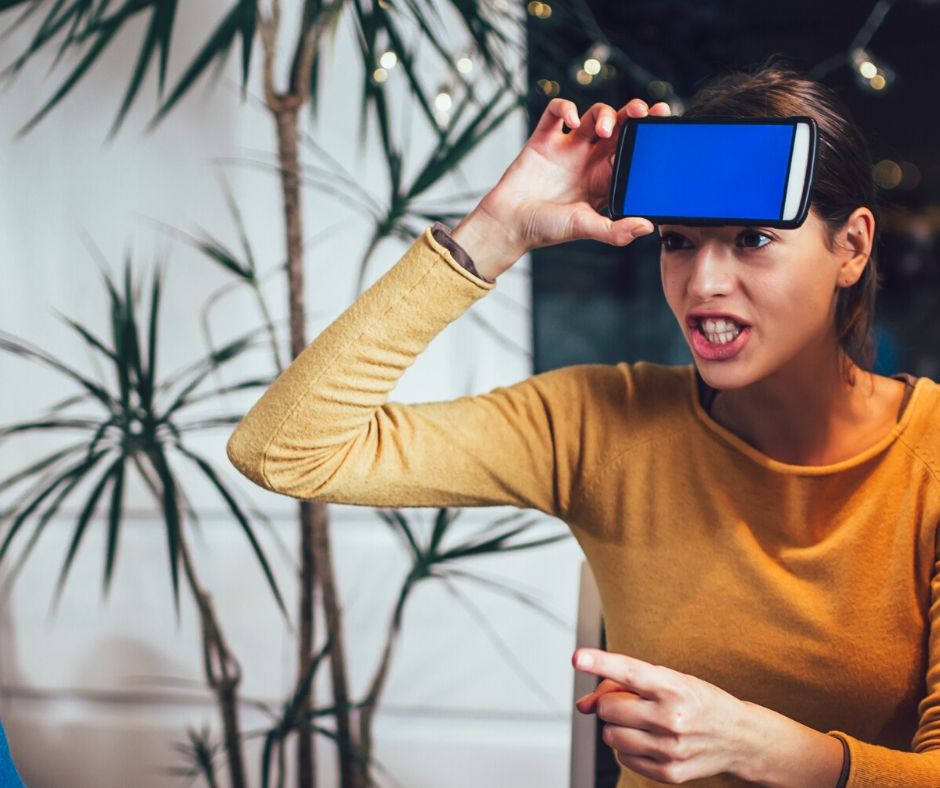 Heads Up Game on Zoom. Fun Virtual Game to play on Zoom with kids, teens and adults. This hilarious game will keep you entertained and having fun with friends and family when your far apart. Find out how to play. #zoomgame #headsup #virtualgame #gameforkids #gameforteens