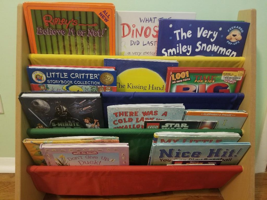 Front Facing Bookshelf Ideas for Kids rooms.