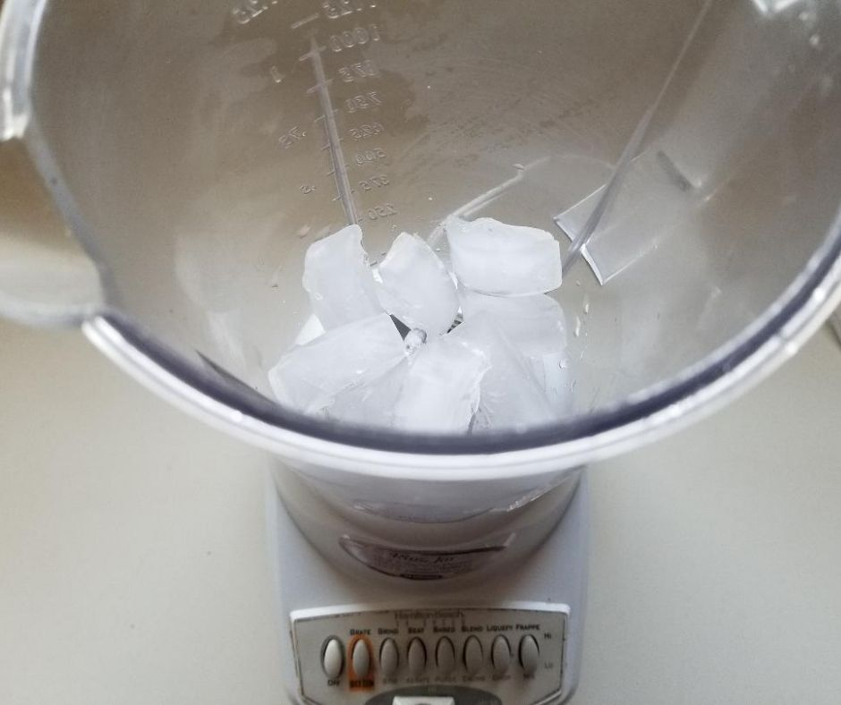 Clean your Blender with Ice