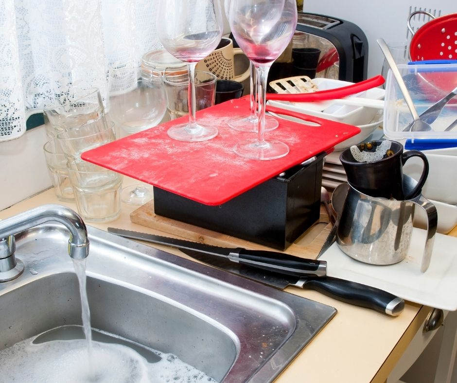 Tips from Highly Organized Moms - Clean your dishes after every use and 11 smart Organizational Hacks for Home