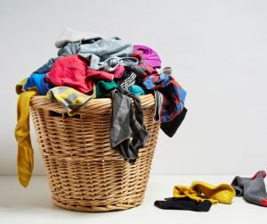 How Mom's can Get Organized at Home by keeping up with the laundry and 11 other habits of highly organized people.