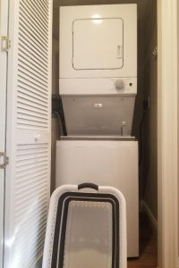 Rooms at Disney's Saratoga Springs offer washer & dryers in your room.