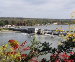 Illinois River Locks along the Starved Rock State Park. Fun day trip or weekend getaway for families to hike and watch the boats go in and out of the locks.